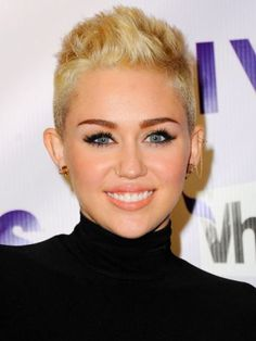 ¿Te gusta el pixie cut de Miley Cyrus? #hair #haircuts #beauty