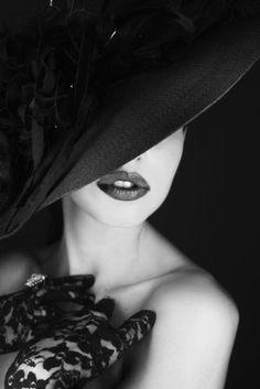 Trendy ladies hats - http://annagoesshopping.com/womenshats