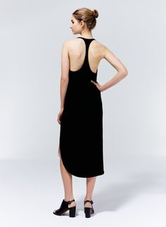Wilfred Colonne Dress, now available at Aritzia.com.