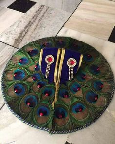 Shree Krishna Wallpapers, Radha Krishna Wallpaper, Bal Krishna, Krishna Art, Thali Decoration Ideas, Wedding Decoration, Radha Kishan, Janmashtami Decoration, Laddu Gopal Dresses