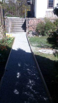 Ny #grusgang foran huset.