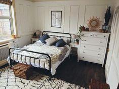 more similar posts Picture Design, Bedroom Apartment, Furniture, Home Decor, Homemade Home Decor, Home Furniture, Interior Design, Decoration Home, Home Interiors