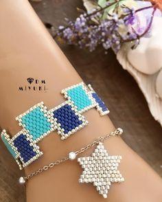 ideas jewerly fashion design beautiful for 2019 Bead Loom Bracelets, Beaded Bracelet Patterns, Beading Patterns, Bead Crafts, Jewelry Crafts, Handmade Jewelry, Seed Bead Jewelry, Bead Jewellery, Diy Jewelry