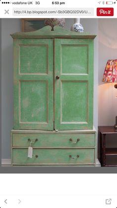 Linen press - original green paint