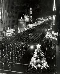 Santa Claus Lane Parade - Hollywood (c 1950s) | Golden Age of Hollywood