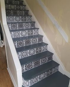 stair risers clever - Google Search Staircase Decals, Painted Staircases, Beach Stairs, Vinyl Board, Carpet Fitting, Faux Sheepskin Rug, Stair Risers, Wooden Stairs, Painted Floors