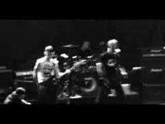 """▶ Inocentes - clipe """"Pânico em SP"""" - YouTube"""