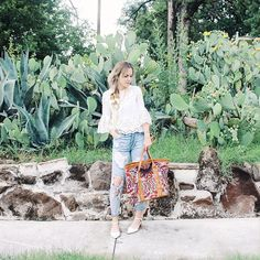 The talented @celestecclark debuting her favorite Vintage Lucia Carryall!