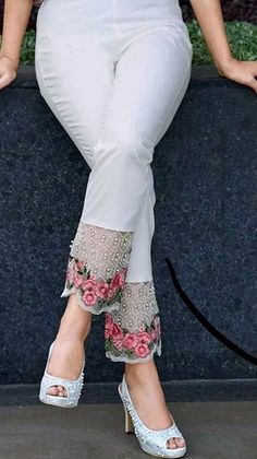 Salwar Pants, Plazzo Pants, Stylish Dress Designs, Stylish Dresses, Fashion Pants, Fashion Dresses, Women's Fashion, Pakistani Fancy Dresses, Churidar Designs