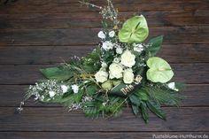 Trauerfloristik – Pusteblume Grapevine Wreath, Grape Vines, Floral Arrangements, Floral Wreath, Bouquet, Wreaths, Flowers, Plants, Decor