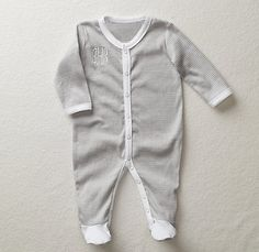 RH Baby & Child's Baby Apparel & Layette:Baby clothing and newborn layette from Restoration Hardware Baby & Child. Baby Kids Clothes, Baby Clothes Shops, Restoration Hardware Baby, Going Home Outfit, Baby Fever, Future Baby, Little Babies, Baby Boy Outfits, Boy Fashion