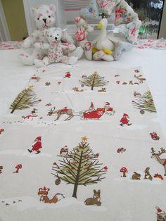 BN Gorgeous Fryetts Christmas Fabric In Woodland Animals