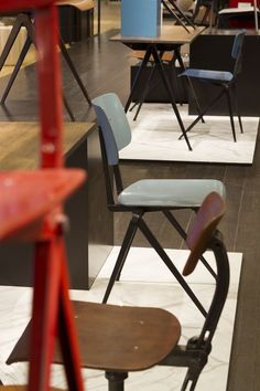 Atelier 154 - Photo Alexandra Dreyfus | Mobilier hollandais 50\' 60 ...