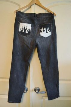 Hand Painted Customized Denim Jeans - Hand Painted Customized Denim Jeans Source by - Painted Jeans, Painted Clothes, Hand Painted, Diy Clothes Paint, Denim Paint, Diy Clothes Design, Clothes Crafts, Denim Jeans, Ripped Jeans