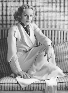 Miss Carole Lombard Golden Age Of Hollywood, Classic Hollywood, In Hollywood, Vintage Hollywood, Classic Actresses, Beautiful Actresses, Actors & Actresses, It's All Happening, William Powell