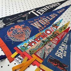 Vintage souvenir pennants make for great retro home decor (www.thatgypsysoul.etsy.com) #americana #pennants #souvenirs #roadtrips #vintagedecor #vintagestyle #retro #newyorkworldsfair #tennessee #reno #newjerseyturnpike