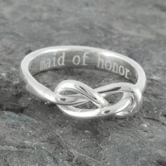 Infinity ring, knot, maid of honor gift, maid of honor, best friend, promise,personalized, friendship, sisters, mother daughter by JubileJewel on Etsy