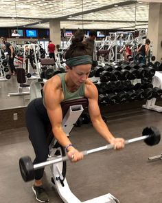 10 Best Cardio Exercises For Weight Loss – Burn Fat To Get A Slim Body Fast.Cardio is a great component of exercise to get a slim body. Big Biceps Workout, Biceps And Triceps, Back And Biceps, Cardio Training, Weight Training, Best Weight Loss, Weight Loss Tips, Sarah Bowmar, Best Cardio