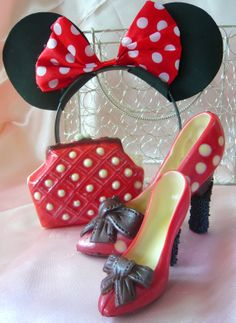 Minnie Mouse - Chocolate Stiletto Shoe (medium & small) and matching Minnie Coin Purse - available from Cathryn Cariad Chocolates - www.CathrynCariad.com