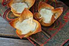 Baked crab rangoon jmk-baked rather than fried. must be the easier and less mess when baking Finger Food Appetizers, Appetizer Recipes, Snack Recipes, Snacks, Crab Appetizer, Good Food, Yummy Food, Yummy Eats, Food Dishes