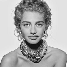 Michaela Bercu, New York Photographed by Klaus Laubmayer. Michaela Bercu, Model One, Fashion Details, 90s Fashion, Female Models, Supermodels, Muse, Fashion Photography, Beautiful Women