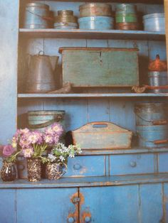 ★SMART COUNTRY DECORATING★ ~~ Primitive Decorating Book~  Great cupboard !...~♥~