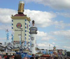 Die Münchner Brauerei Paulaner mit ihrem Wahrzeichen
