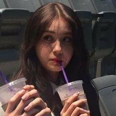I think I'm in love with jeon somi 💕 Kpop Girl Groups, Kpop Girls, Taemin, K Pop, Produce 101, Baekhyun, Jeon Somi, Memes Funny Faces, Kpop Aesthetic