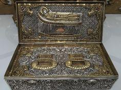 About relics, reliquaries, religion and art Miraculous, Religion, Decorative Boxes, Saints, Art, Art Background, Kunst, Performing Arts, Decorative Storage Boxes