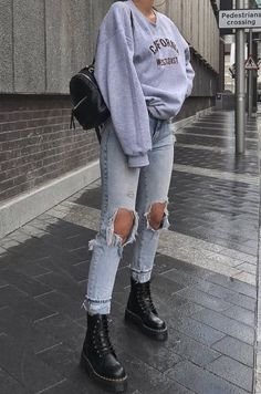 24 How to wear trending this winter - daily fashion outfits - outfit inspo . - 24 How to wear trending this winter – daily fashion outfits – outfit inspo # winter fashion - Street Style Outfits, Mode Outfits, Street Outfit, Street Style Women, Cool Style Outfits, Model Street Style, Amazing Outfits, Casual Street Style, Look Fashion