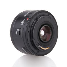 If you wanna own a wonderful #cameralense for your canon eos dslr cameras? Your wise choice is YONGNUO auto focus camera lense. F1.8 large aperture,virtual background, which makes photography with more fun.