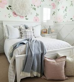 A chic bedroom with luxury bedding is all a teenage girl needs Home Bedroom, Bedroom Wall, Kids Bedroom, Bedroom Decor, Bedrooms, Kids Decor, Home Decor, Kid Spaces, Wall Wallpaper