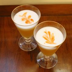 Traditional Whiskey Sour (with egg white) — Dining with McZ Whiskey Sour With Egg, Sour Cocktail, White Cocktails, Egg Whites, Glass Of Milk, Tart, Eggs, Pudding, Traditional
