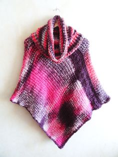 Poncho matizado tejido con palillos (Poncho dos agujas) / #knit poncho  #knitted #poncho #needles #wear #pink #colour  by Suhyza