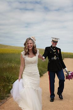 A love shoot to celebrate Memorial Day complete with a handsome groom in uniform  Photography by http://jasminestarphotography.com