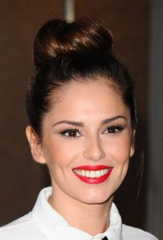 Cheryl Fernandez-Versini (formerly Cole) and 8 other celebrities who do their own makeup (and have incredible results!)