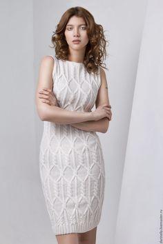 Купить Платье-футляр ручной вязки - белый, платье, платье вязаное, платье теплое