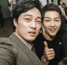 So ji sub and song joong ki ❤ My fantasy come to life! So Ji Sub, Korean Star, Korean Men, Asian Actors, Korean Actors, Celebrity Smiles, Song Joong Ki, Flower Boys, Cute Korean