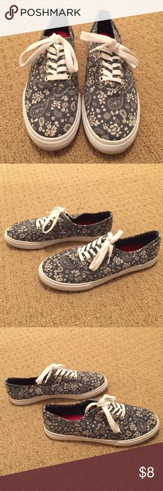 Floral Paisley Print Sneakers (blue/white) Blue & white floral paisley print sneakers. Normal scuffing on the bottom from the few times these were worn (which was always with socks), but otherwise there are practically no signs of wear. Great with rolled up jeans or leggings! ✨Bundle for 10% off! Mossimo Supply Co. Shoes Sneakers