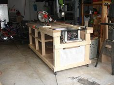 Backyard Workshop - Ultimate Workbench w table saw and miter saw