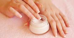 Faire sa crème pour les mains et les ongles en X étapes
