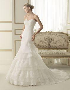55806a7e09c0d Elda - Luna Novia Collection Rosa Clara Size 8 in Ivory SALE Price: R9 000. Inexpensive  Wedding DressesElegant ...