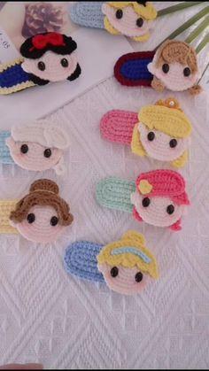 Crochet Hair Clips, Crochet Mask, Crochet Diy, Crochet Crafts, Crochet Projects, Crochet Basket Pattern, Crochet Amigurumi Free Patterns, Crochet Girls Dress Pattern, Crochet Book Cover