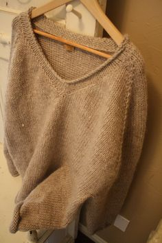 Men's custom fit sweater, seamless made with wool/mohair yarn
