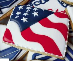 American flag modern art style Fourth o July patriotic decorated sugar cookies / The Cookie Cutter Magpie Summer Cookies, Fancy Cookies, Iced Cookies, Cute Cookies, Holiday Cookies, Cookies Et Biscuits, Cupcake Cookies, Frosted Cookies, Owl Cookies