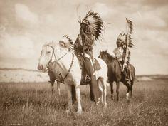Un Photographe Parmi Les Indiens D'Amérique: Voici Les Images Puissantes D'une Civilisation Perdue