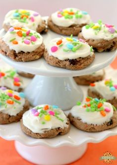 Carrot Cake Cookies are soft and chewy, flavorful carrot cake cookies made with a cake mix! Topped with a creamy cheesecake frosting, these carrot cake cookies are perfect for Easter! Easy Carrot Cake, Carrot Cake Cookies, Cake Mix Cookies, Cupcakes, Easter Recipes, My Recipes, Baking Recipes, Cookie Recipes, Easter Ideas