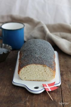 Danish poppy seed bread and lots of holiday memories - Danish poppy seed bread and lots of holiday memories – Raspberrysue Informations About Dänisches - Halloween Cookie Recipes, Halloween Cookies Decorated, Healthy Halloween Treats, Holiday Desserts, Easy Desserts, Dessert Recipes, Holiday Parties, Dinner Recipes, Jam Thumbprint Cookies