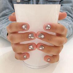 Essie nail polish, buy me a cameo, chrome nude nail polish, fl. oz - The most beautiful nail designs Star Nail Art, Star Nails, Cute Nails, Pretty Nails, Hair And Nails, My Nails, Teen Nails, Star Nail Designs, Art Designs