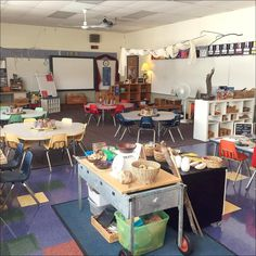 My finished room! Now if I could just get wood floors...☺️ #kindergarten #reggioinspired #fdk #ece #roomsetup #environmentasthirdteacher #iteachk #iteachkinder #teachersfollowteachers #teachersofinstagram